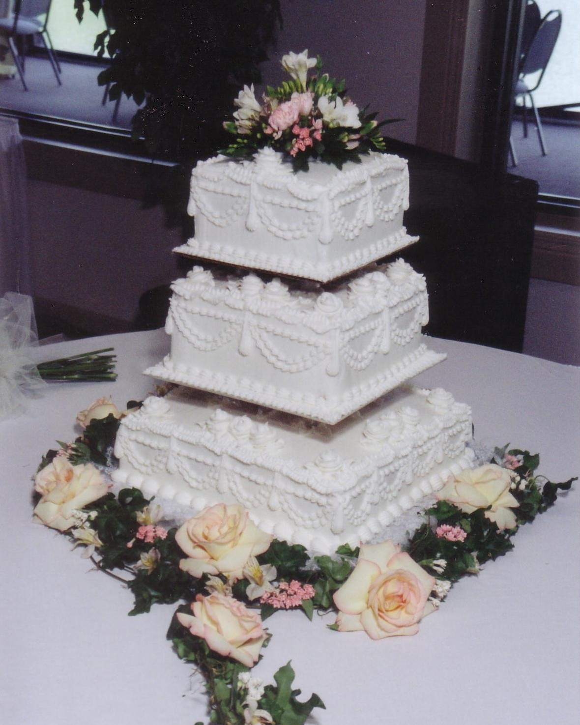 Square wedding cakes taylors bakery square wedding cakes junglespirit Gallery
