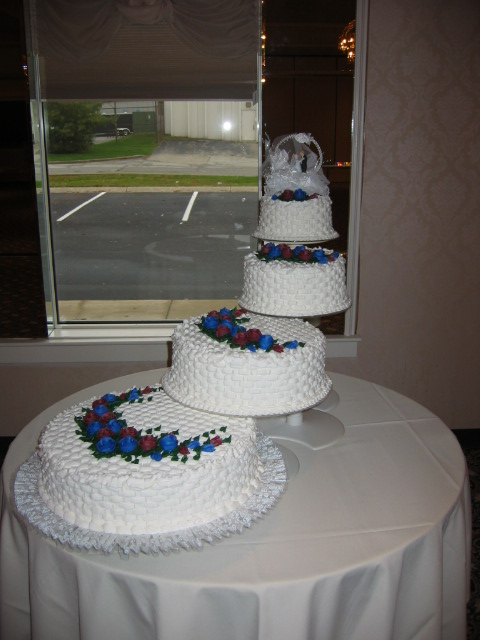 Tiered wedding cakes at giant