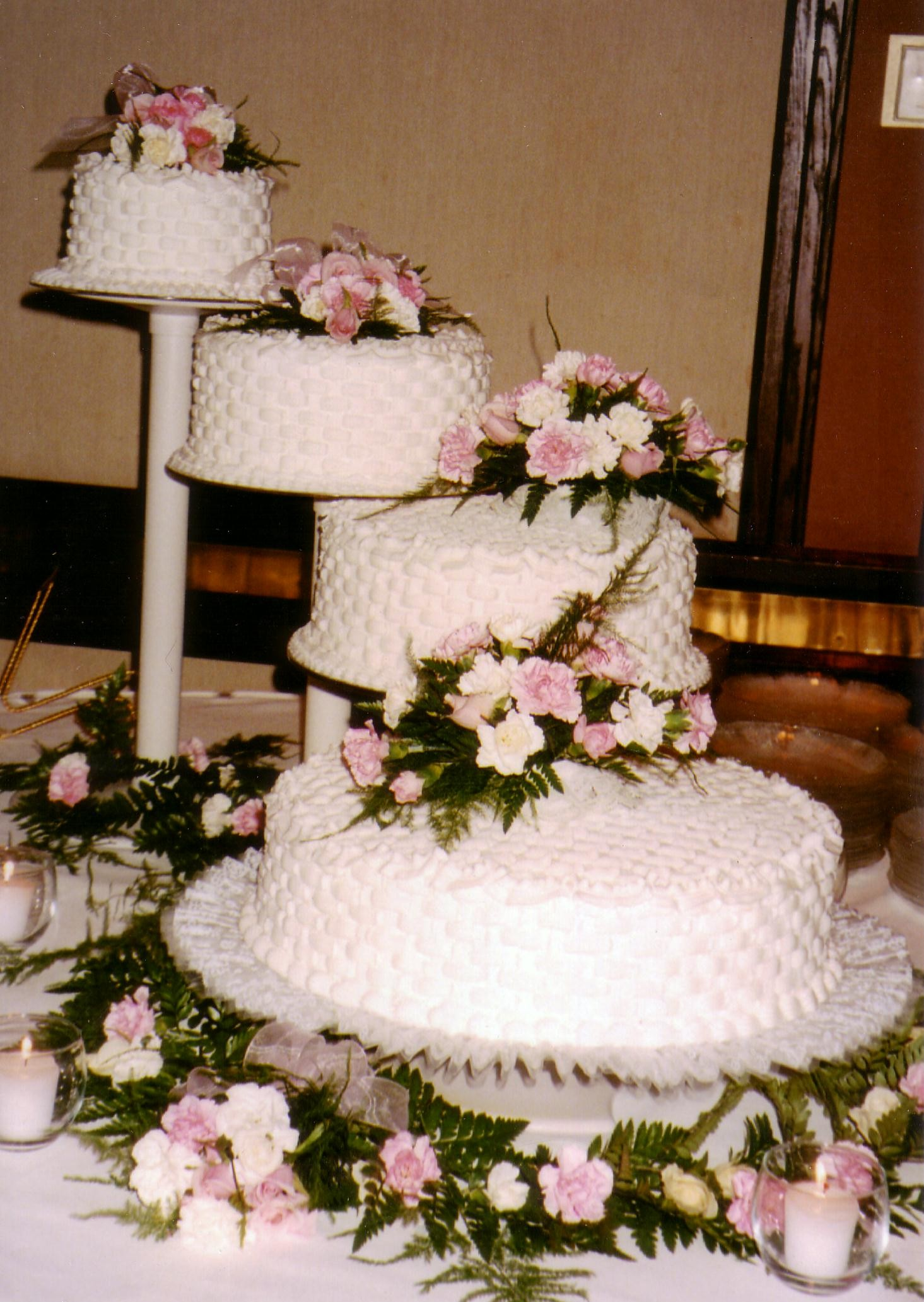 Spiral Wedding Cakes Taylor S Bakery