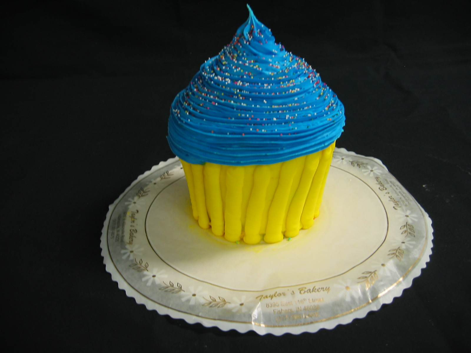 Giant Cupcakes « Taylor\'s Bakery